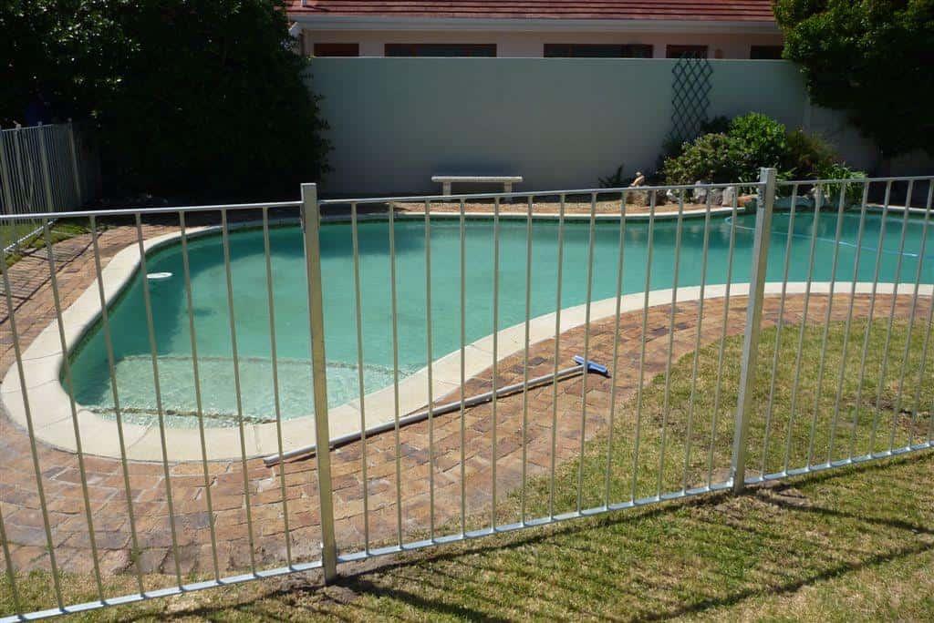 Pool Fence 01